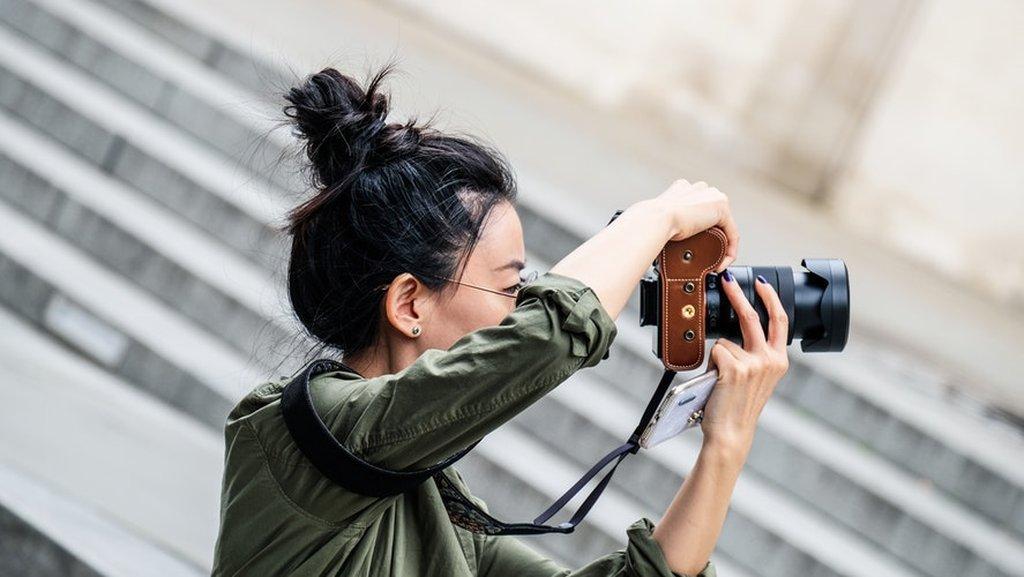 помощник фотографа что делает расположен